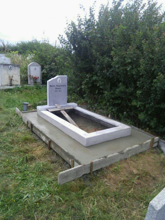 цялостно оформяне на гроб вариант 1